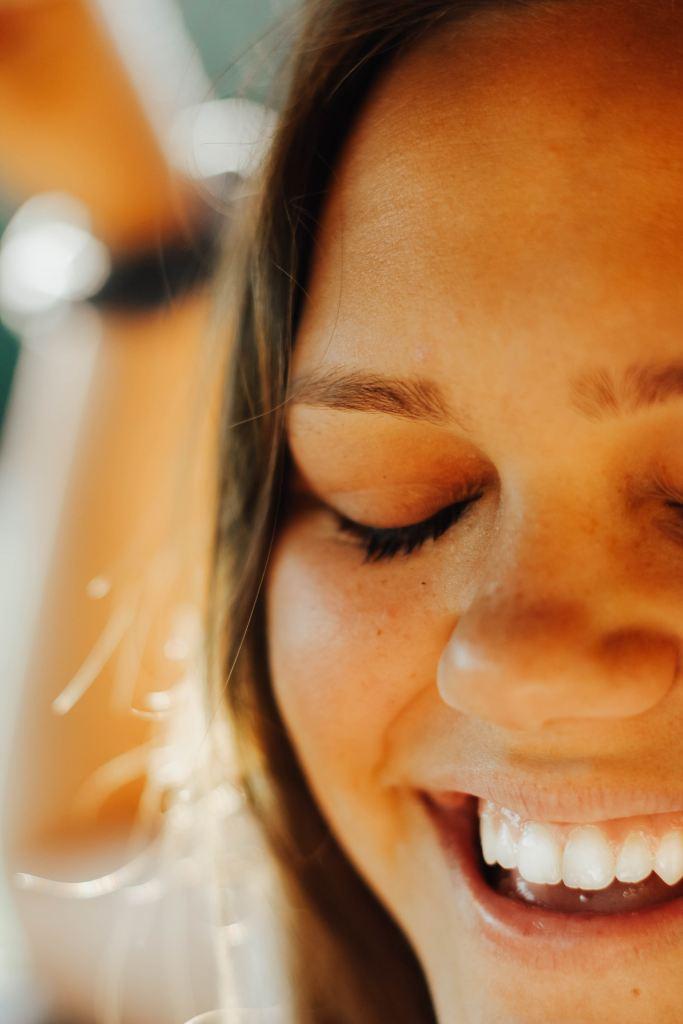 Ağız ve Diş Sağlığına Holistik Bir Yaklaşım: Yağ ile Gargara (Oil Pulling)